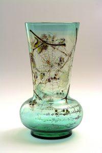 エミール・ガレ 「葡萄に蜘蛛の巣文花器」 1889年パリ万博出品作